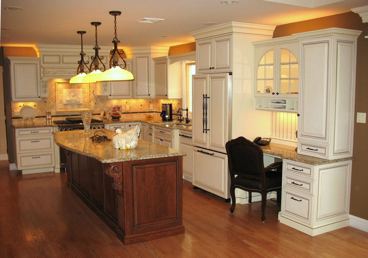 View Additional Royal Cabinet Company Kitchen Designs